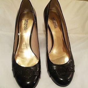 Michael Kors patent leather shoe